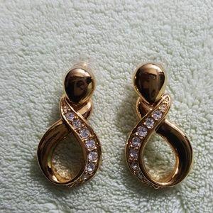 Stunning!!  Avon Earrings